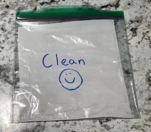 clean ziploc bag for masks